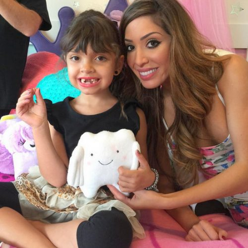 Farrah Abraham Gives Sophia 900 British Pounds From The Tooth Fairy – Photos