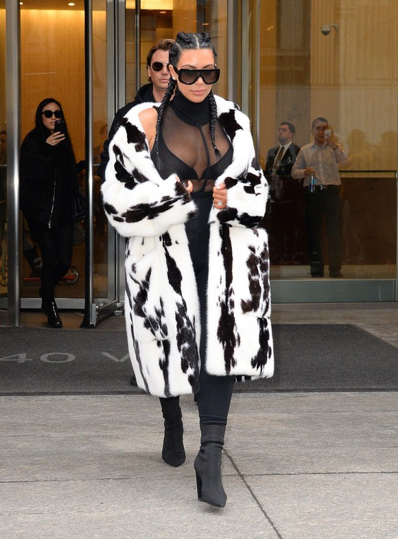 NEW YORK, NY - FEBRUARY 10:  Kim Kardashian West is seen walking out of a office in midtown on February 10, 2016 in New York City.  (Photo by Raymond Hall/GC Images)