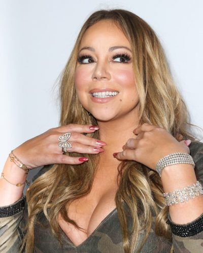 LOS ANGELES, CA - NOVEMBER 19: Singer Mariah Carey ,Jewelry Detail, attends the 3rd annual Airbnb Open Spotlight on November 19, 2016 in Los Angeles, California. (Photo by Paul Archuleta/FilmMagic)