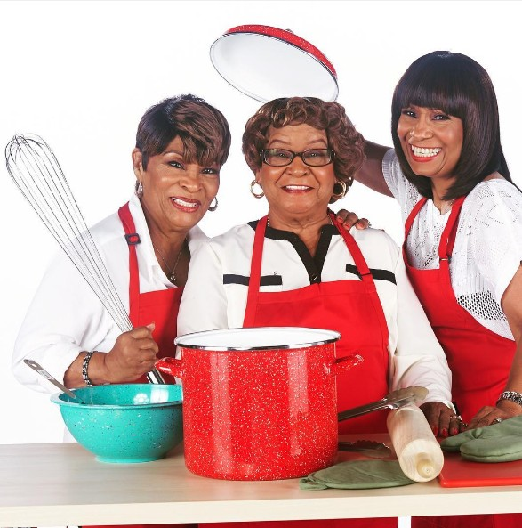 Kandi-Burruss-Restaurant-Old-Lady-Gang