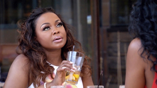 Phaedra is annoyed by Kandi's gossip