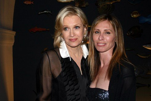 Diane Sawyer and Carole Radziwill during Diane Sawyer Presents Author Carole Radziwill with an Award at the Annual Sarcoma Foundation of America Gala at American Museum of Natural History in New York City, New York, United States. (Photo by Hikari Yokoyama/WireImage)