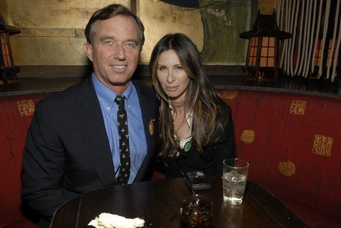 NEW YORK CITY, NY - OCTOBER 14: Robert Kennedy and Carole Radziwill attend The End Game OBAMA FUNDRAISER at The Hiro Ballroom on October 14, 2008 in New York City. (Photo by ZACH HYMAN/Patrick McMullan via Getty Images)