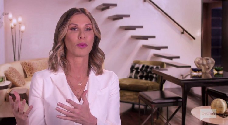 Ny 'House-wives' Celebrity Luann Lesseps Covers blackface allegations