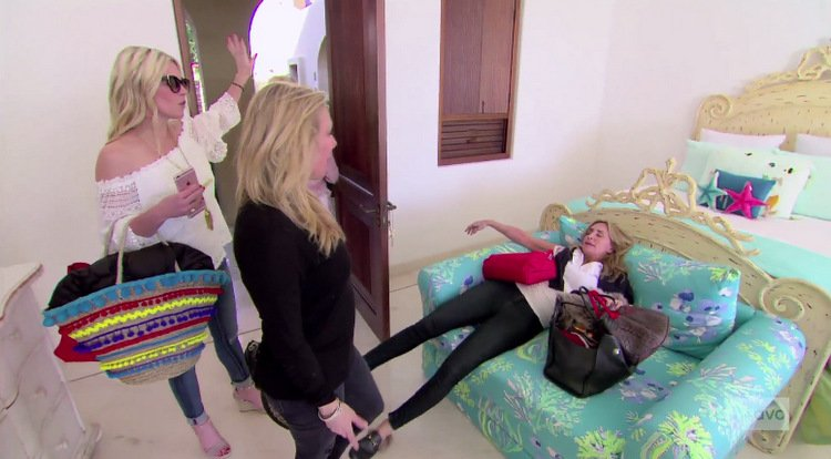 Tinsley-Mortimer-Ramona-Singer-Sonja-Morgan-Mexico-Room-Fight-RHONY