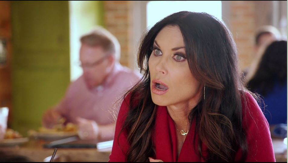LeeAnne-Locken-explaining-how-Stephanie-Hollman-has-been-two-faced-with-her.