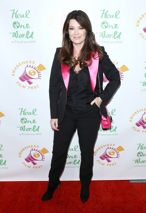 LOS ANGELES, CA - OCTOBER 05: Lisa Vanderpump arrives to the Los Angeles premiere of