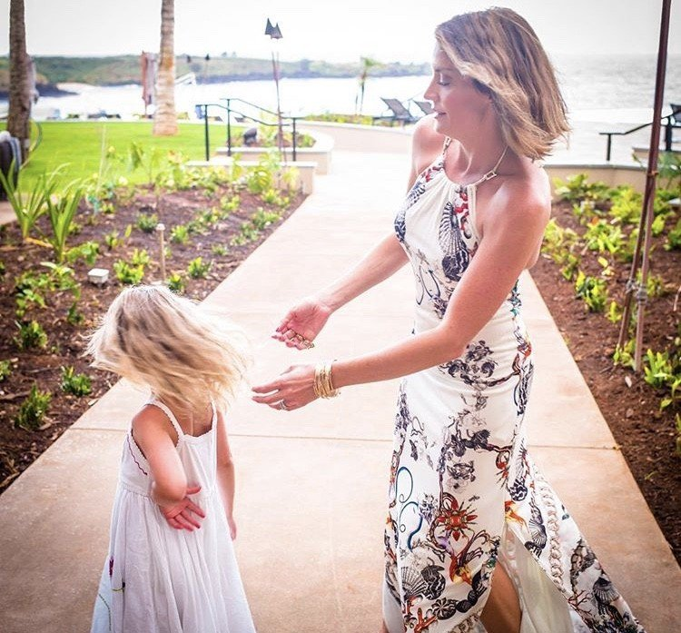 Dallas Housewife Cary Deuber Vacations In Hawaii With Her Family- Photos