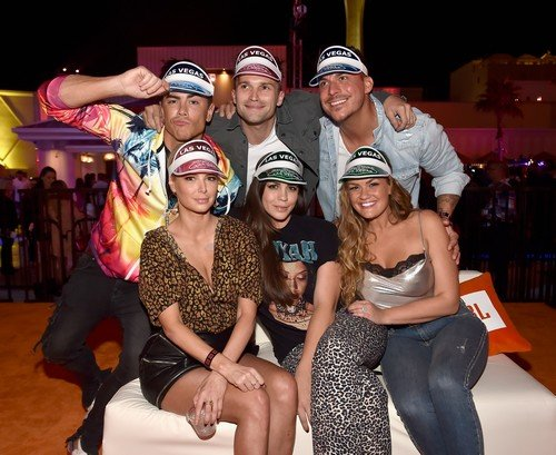 Reality Star Sightings: Jax Taylor, Luann de Lesseps, Kandi Burruss and More – PHo