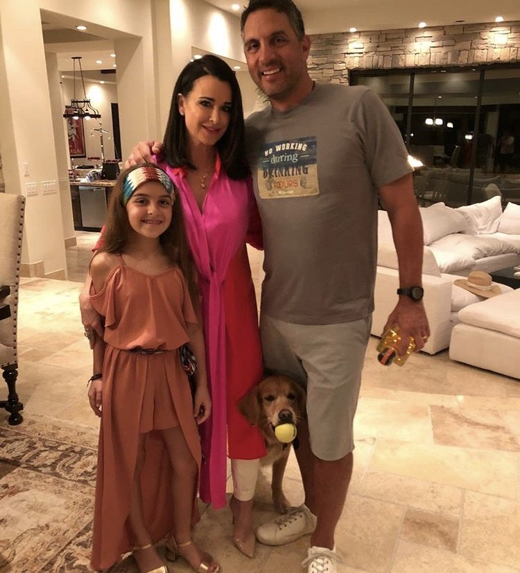 Kyle Richards & Mauricio Umansky With Their Daughter Portia