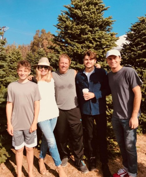 Eileen Davidson With Her Family At The Christmas Tree Lot
