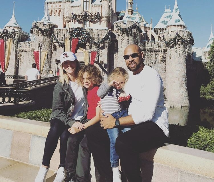 Kendra Wilkinson & Hank Baskett Enjoying Disney With Their Family