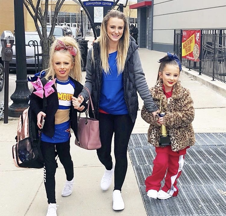Leah Messer With Her Daughters