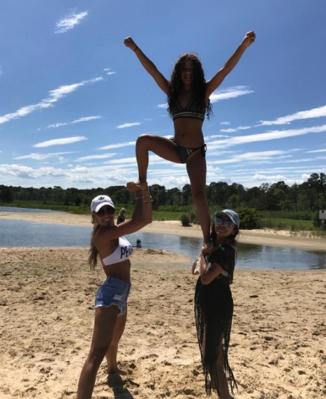 Melissa & Snooki Stunting With Antonia