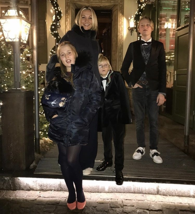 Caroline Fleming With Her Family