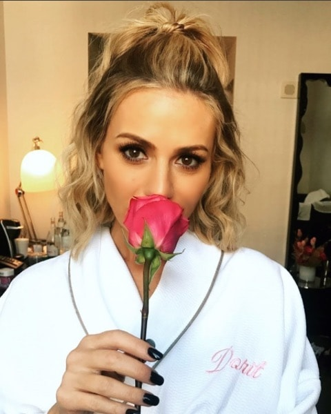Dorit Accepts This Rose